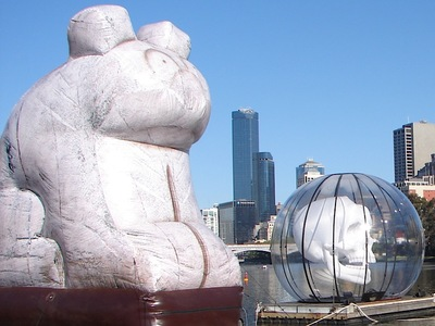 Bruce Armstrong's Inflatable Bear Dream Festival Yarra River